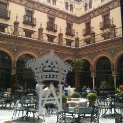 Photo taken at Hotel Alfonso XIII by Amaya R. on 4/22/2013