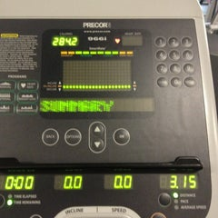 Photo taken at 24 Hour Fitness by Cindicupcaking N. on 10/16/2013
