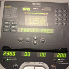 Photo taken at 24 Hour Fitness by Cindicupcaking N. on 10/14/2013