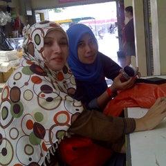 Photo taken at Pasar Segar by Budi R. on 8/26/2013