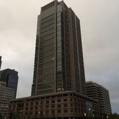 Photo taken at 丸の内ビルディング (丸ビル) / Marunouchi Building by Tetsuya T. on 10/6/2013