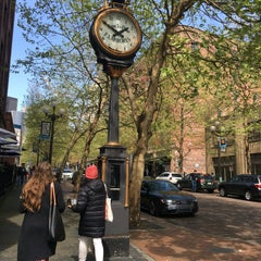 Photo taken at Pioneer Square by Yui K. on 4/16/2016