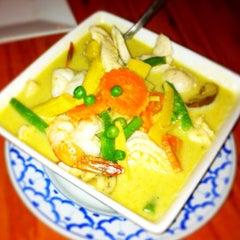 Photo taken at Thai Arroy Restaurant by Steve L. on 9/24/2012