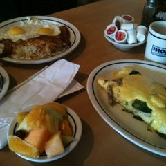 Photo taken at IHOP by Bushbaby on 11/4/2012