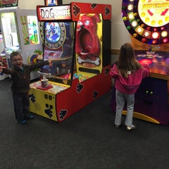 Photo taken at Chuck E. Cheese's by Bobby B. on 12/30/2014