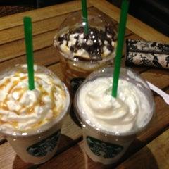 Photo taken at Starbucks by Emii F. on 2/20/2013