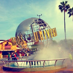 Photo taken at Universal Studios Hollywood Globe and Fountain by Gleb N. on 3/28/2013