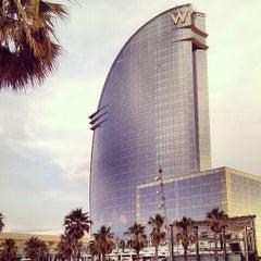 Das Foto wurde bei W Barcelona von Igor K. am 7/8/2013 aufgenommen