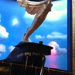 Photo taken at Hard Rock Cafe Pittsburgh by Angi D. on 5/26/2013