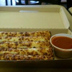 Photo taken at Pizza Hut by Richard T. on 10/29/2012