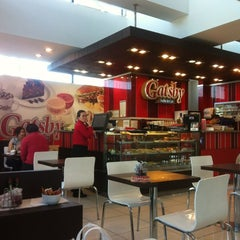 Photo taken at Gatsby Buffet & Café by Gerson R. on 10/26/2012