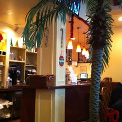 Photo taken at Jinky's Cafe Santa Monica by Hungry H. on 12/8/2012