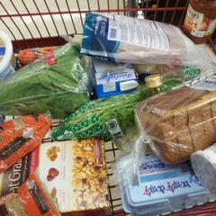 Photo taken at Supermercado Amigo by Endel V. on 11/8/2012