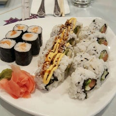 Photo taken at Lemon Grass Thai Cuisine & Sushi Bar by PatrickKTown on 11/12/2015