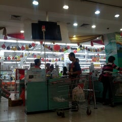 Photo taken at Carrefour by Dianie P S. on 1/17/2013