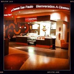 Photo taken at Cinemex Platino by TRIPULANTE G. on 11/10/2012