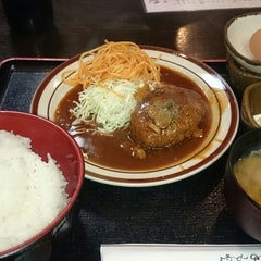 Photo taken at えいと by Satoshi I. on 8/7/2014