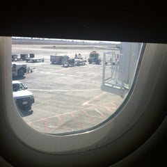 Photo taken at Puerta/Gate 4 by Vivianne on 9/17/2012