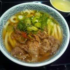 Photo taken at すなだ どんどん 箱崎T-CAT店 by Franco L. on 2/3/2013