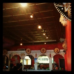 Photo taken at Arriba Mexican Restaurant & Lounge by Jennifer C. on 10/18/2012
