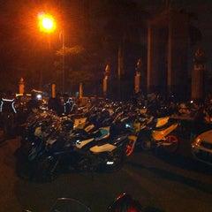 Photo taken at Patung Panahan Senayan by Naro N. on 3/28/2015