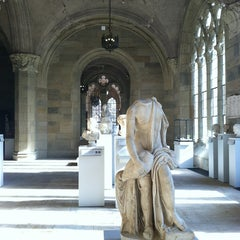 Photo taken at Yale University Art Gallery by Claire L. on 2/16/2013