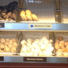 Photo taken at Dunkin' Donuts by Mei Laarnee on 2/5/2013