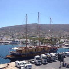Photo taken at Λιμάνι Πάρου by Vasilis Fernando on 7/23/2013