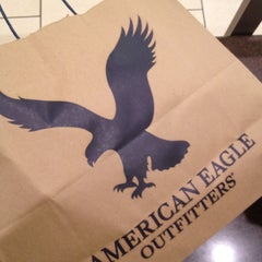 Photo taken at American Eagle Outfitters by [Princess] on 11/2/2012