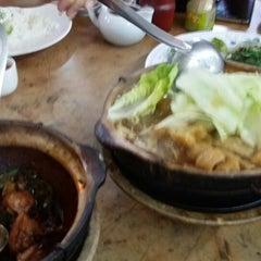 Photo taken at 奇香肉骨茶 by Jia C. on 3/29/2015