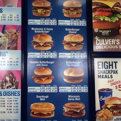Photo taken at Culver's by Mercedes C. on 1/27/2014