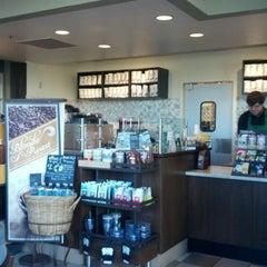 Photo taken at Starbucks by Edi G. on 1/21/2013