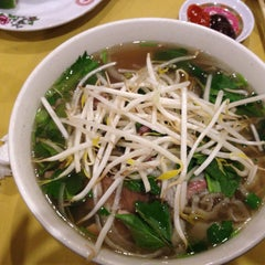 Photo taken at Pho Duy by Rosemary on 3/22/2015