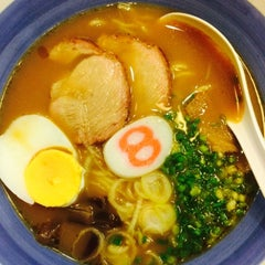 Photo taken at Hachiban Ramen (ฮะจิบัง ราเมน) by Muay M. on 9/16/2015