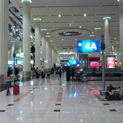 Photo taken at Terminal 3 المبنى by Austin on 12/23/2012