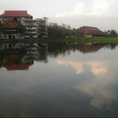 Photo taken at Universitas Hasanuddin by Ikal A. on 1/7/2013