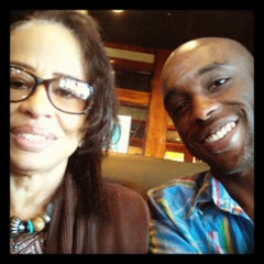 Photo taken at Ruby Tuesday by Petit C. on 4/7/2013