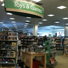 Photo taken at Barnes & Noble by Josie G. on 12/21/2012