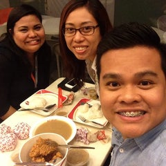 Photo taken at KFC by Dwinn P. on 11/19/2014