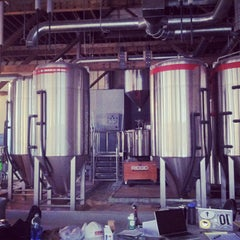 Photo taken at 10 Barrel Brewing by Chris O. on 3/20/2013