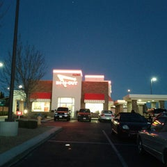 Photo taken at In-N-Out Burger by Pete G. on 3/18/2013