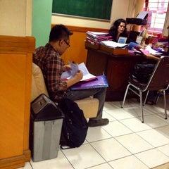 Photo taken at Fakultas Hukum by Aryo Gutomo G. on 8/5/2013