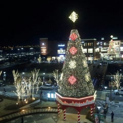 Photo taken at 롯데프리미엄아울렛 (LOTTE Premium Outlets) by Heungsik K. on 11/25/2012