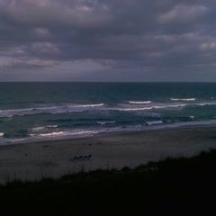 Photo taken at DoubleTree Suites by Hilton Hotel Melbourne Beach Oceanfront by Nory W. on 12/31/2012
