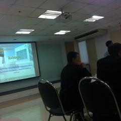 Photo taken at ศูนย์กระจายสินค้าเซเว่นอีเลฟเว่น (DC CP all) by Khanita L. on 3/20/2014