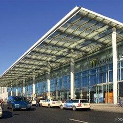 Photo taken at Berlin Ostbahnhof by Deutsche Bahn on 11/29/2012