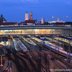 Photo taken at München Hauptbahnhof by Deutsche Bahn on 1/29/2013