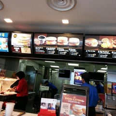 Photo taken at McDonald's by Abdul Hadi M. on 11/11/2012