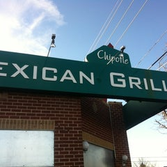 Photo taken at Chipotle Mexican Grill by J A. on 1/20/2013