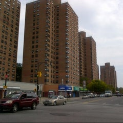 Photo taken at Franklin Plaza Apts by Vicario Brensley P. on 10/6/2012
